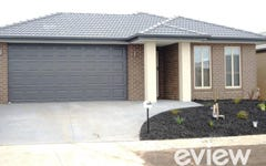13 Calabrese Circuit, Clyde North VIC