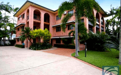 8/271 The Esplanade, Cairns City QLD