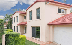18 Dennis Street, Indooroopilly QLD
