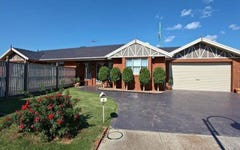 6 Mount Eccles Place, Caroline Springs VIC