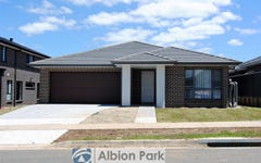 4 Bartlett Crescent, Calderwood NSW