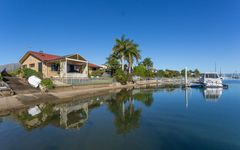 136 Griffith Road, Newport QLD