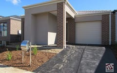 18 Pleven Rise, Clyde North VIC
