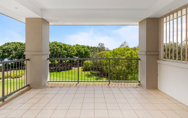 8439 Magnolia Drive East, Hope Island QLD 4212