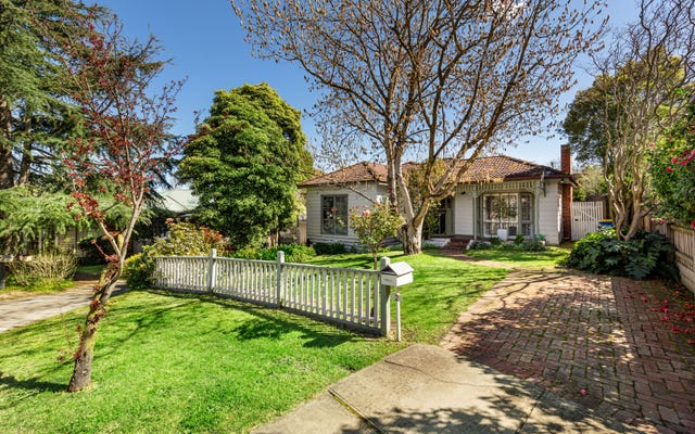 2 East Court, Camberwell VIC 3124