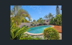 2 Renate Way, Benowa Waters QLD