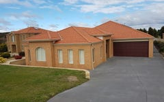 8 St Andrews Close, Hidden Valley VIC