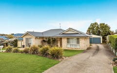 10 Vicky Avenue, Crows Nest QLD