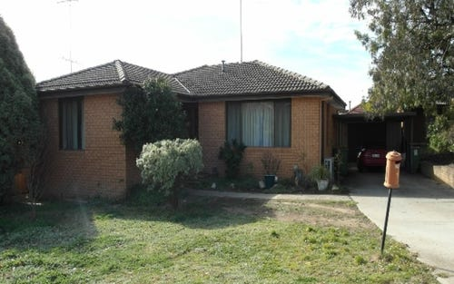 4 Hunt Place, Queanbeyan ACT