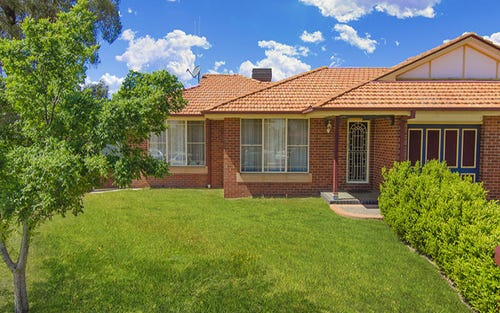 2/4 Friendship Place, Parkes NSW 2870