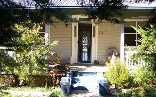56 Queen St, Uralla NSW 2358