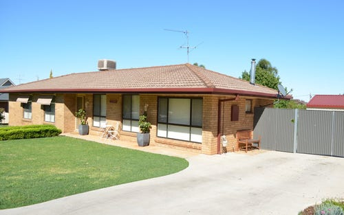 9 Wellingham Place, Temora NSW 2666