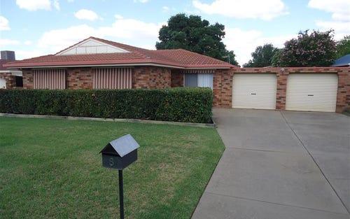 8 Langi Cres, Glenfield Park NSW