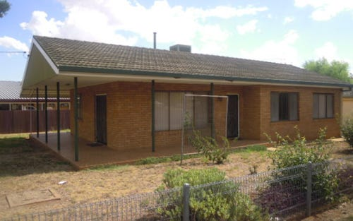 26 Russell Street, Parkes NSW 2870