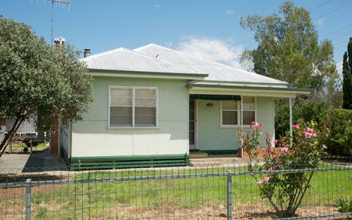 24 Hampden St, Finley NSW 2713