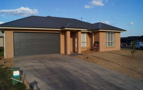42 Diamond Drive, Bletchington NSW 2800