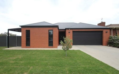 12 Lindisfarne Court, Thurgoona NSW 2640