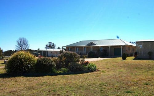 104 Runnymede Drive, Woodstock NSW 2360