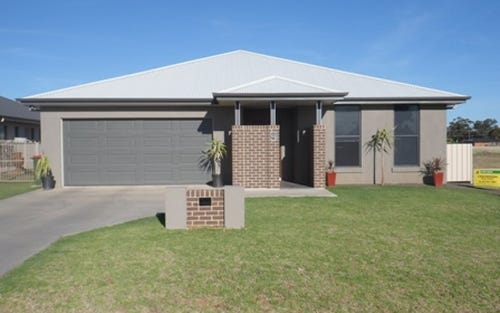 9 Bluebell St, Canowindra NSW 2804