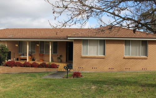 2 Lomas Close, Kelso NSW 2795