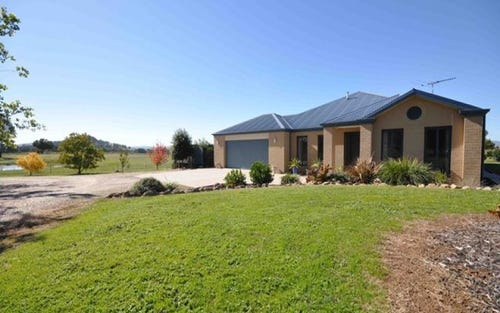 11 Eagle Rise, Table Top NSW 2640