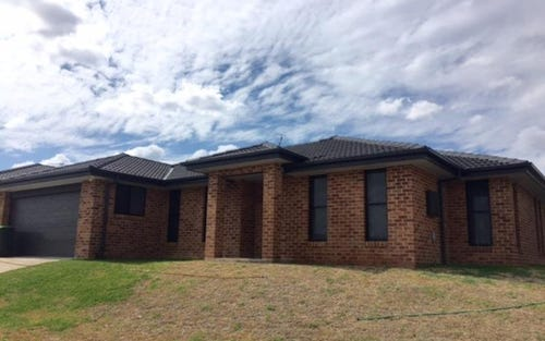 2 Bishop Kennedy Close, Tamworth NSW