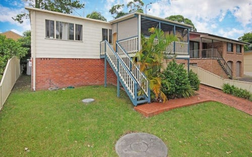 39 River Road, Lake Tabourie NSW 2539