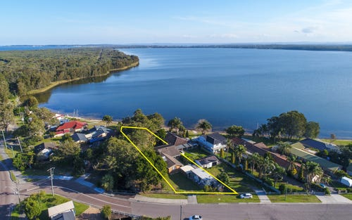 8 Greenacre Av, Lake Munmorah NSW 2259