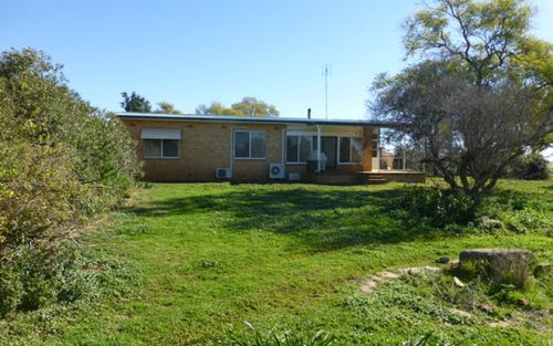 92 Peak Hill Road, Parkes NSW 2870