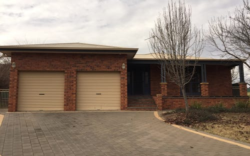 11 GREVILLEA CLOSE, Dubbo NSW