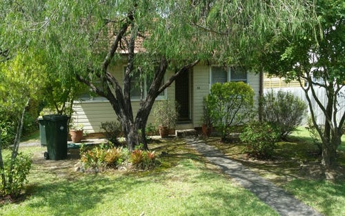 98 Burns Rd, Springwood NSW