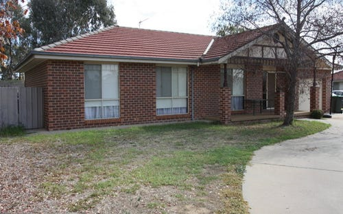 1/13 Bamarook Crescent, Wagga Wagga NSW