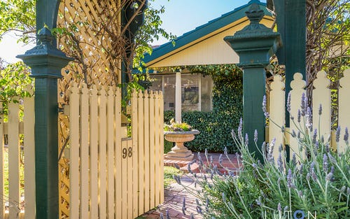 98 Alfred Hill Drive, Melba ACT 2615