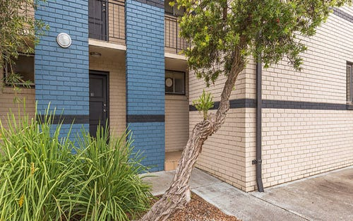 11/58 Bennelong Crescent, Macquarie ACT