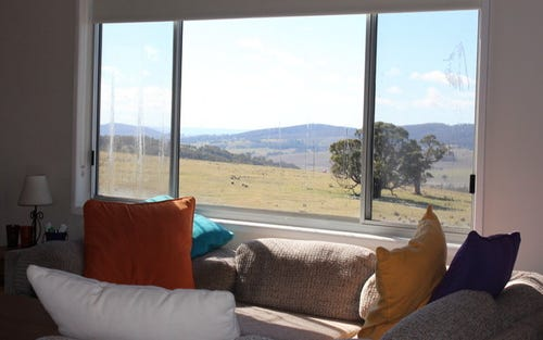 Lake George - Hill View Carneys Road, Collector NSW 2581