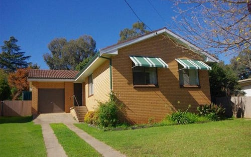 27 Phillips Street, Cowra NSW 2794