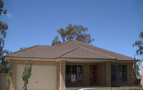 26 McKenna Place, Yass NSW