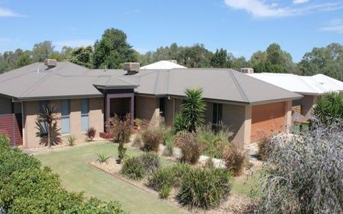 12 Clarke Street West, Howlong NSW 2643