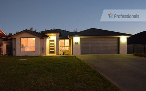6 Tweed Parade, Bathurst NSW 2795