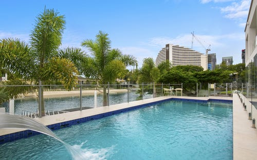 18 Rebecca Ct, Broadbeach Waters QLD 4218