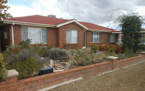 50 Currawong, Young NSW 2594