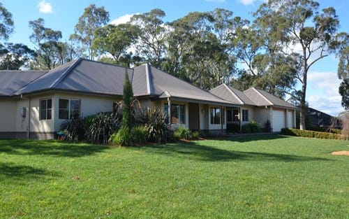 10 Harby Ave, Burradoo NSW 2576