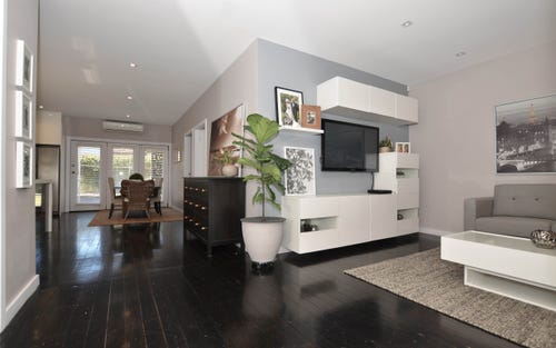 207 Henry Lawson Dr, Georges Hall NSW 2198