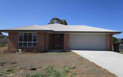 11 Appaloosa Place, Tamworth NSW