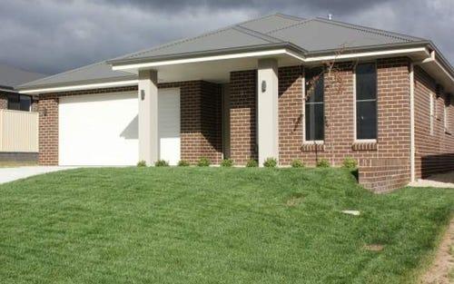 12 Mendel Drive, Bathurst NSW 2795