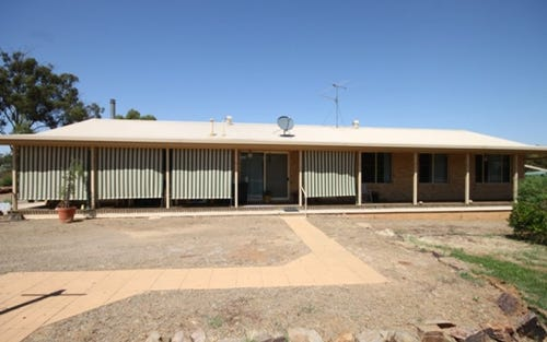 15 Pykes Lane, Coolamon NSW 2701