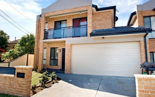 2b Latvia Ave, Greenacre NSW 2190