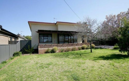 334 Lake Albert Road, Kooringal NSW 2650