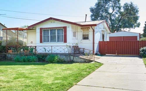 19 Castlereagh Avenue, Mount Austin NSW 2650