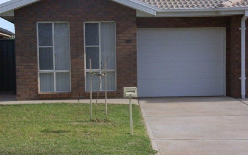 74B Close St, Parkes NSW